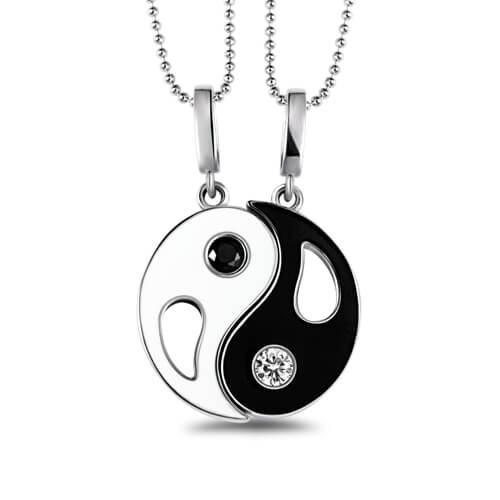 excellent.c Couple Necklaces for Him and Her Necklaces Set Engraved Name Yin Yang Pendant