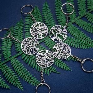 Personalized 1-13 Name Life Tree Keychain