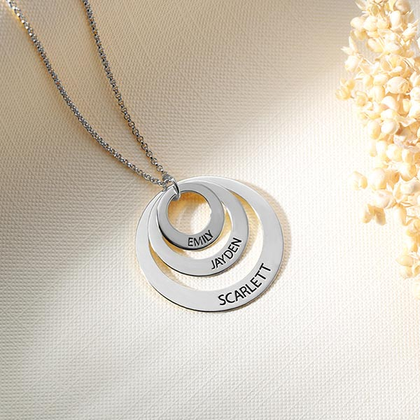 engraved name necklace