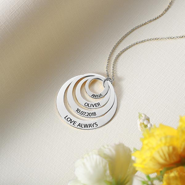 engraved names circle necklace