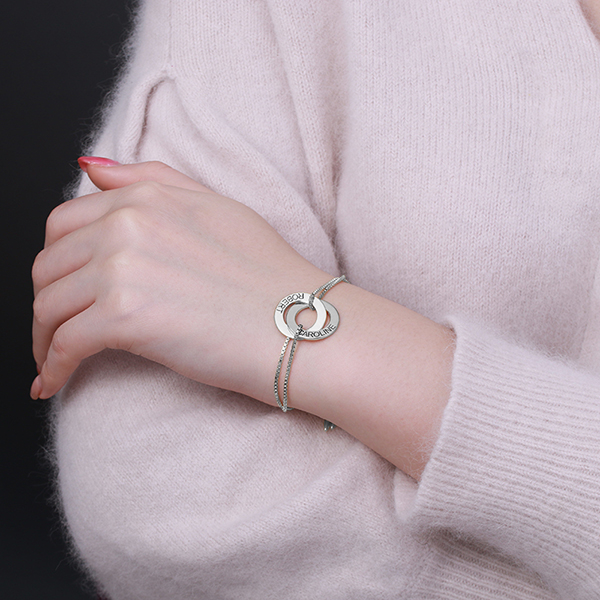 interlocking circle bracelet